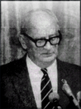Pat Walsh delivering a paper to the Australian League of Rights (ALOR) in 1988